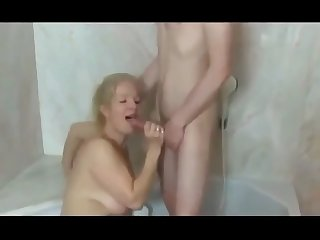 young skinny boy trying to fuck his first milf in the shower