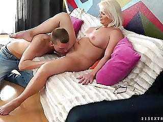 Big cock paramour mature has multiple orgasms