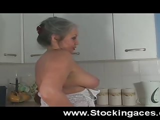 Old l spreads her cunt wide open in the kitchen