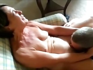 Cuckolding Mature Wife Gets Eaten Out