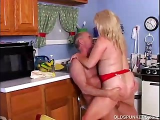 Marvelous mature porn star Lizzy Liques luvs to fuck